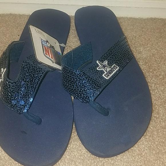 bf6df4594630a Dallas Cowboys flip flops nwt